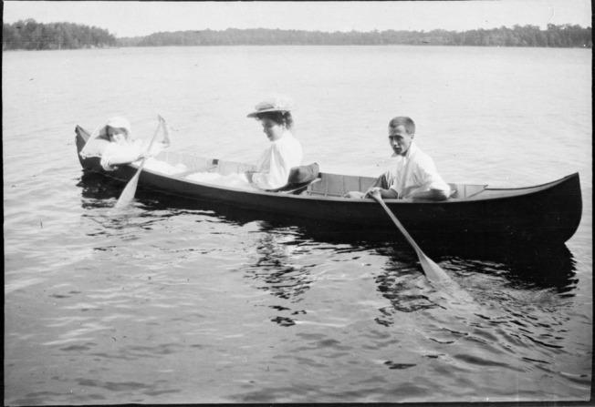 women canoe.jpg
