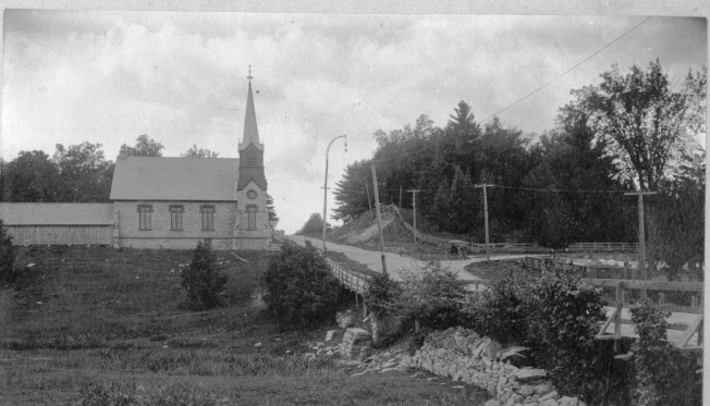 bay_hill_towards_cameronian_church.jpg