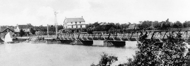 rideau-ferry-bridge-c1900