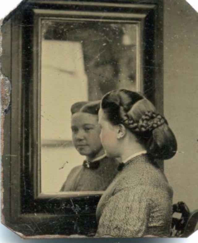 Victorian Women Hairstyles (5).jpg