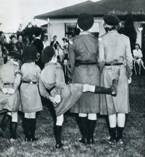 Vintage Photos Show the Mischiefs of Children (8).jpg