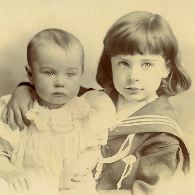 1880s-BEAUTIFUL-CHILDREN-CABINET-CARD-PHOTO-VICTORIAN-FASHION.jpg