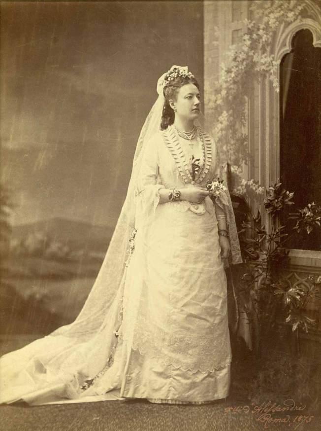 wedding-dress_1875_1.jpg