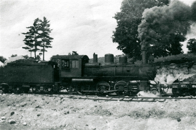 1920, brockville-westport train near the lyndhurst, ontario station circa 1920_.jpg