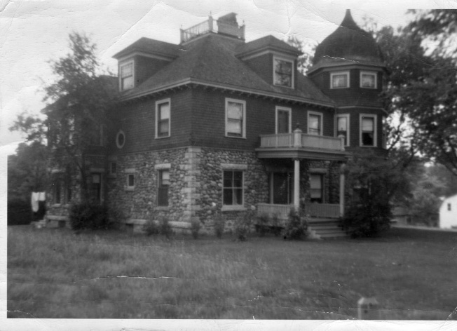 old house fitch bay T.B. Rider Home.jpg