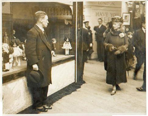 QueenMary18.2.1930.jpg