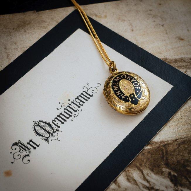 5204-antique-victorian-mourning-locket.jpg